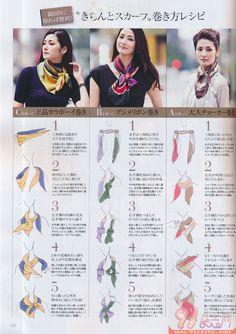 con pañuelos en forma de triángulos Más
