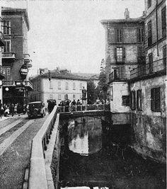 Corso di Porta Romana incrocio con le vie Santa Sofia e Francesco Sforza ponte sul Naviglio dove si trovava la statua di San Giovanni Nepomuceno   da Milàn l'era inscì