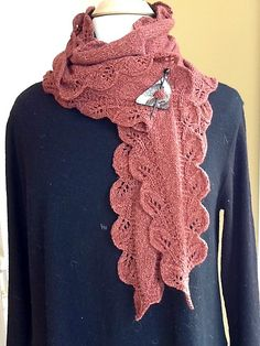 Ravelry: Project Gallery for Double Leaf Saroyan pattern by Liz Abinante. Free