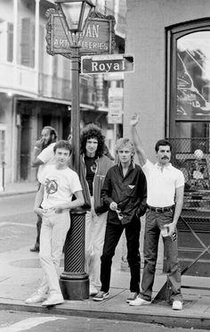Universal Love & Humanity — Queen somewhere in the Royal St… 1980 Discografia Queen, Queen Band, Queen Photos, Queen Pictures, Queen Aesthetic, Music Aesthetic, Queens Wallpaper, Rock Poster, Queen Freddie Mercury