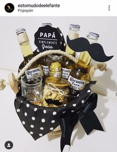 Diy Father's Day Gifts, Father's Day Diy, Diy Crafts For Gifts, Fathers Day Gift Basket, Fathers Day Crafts, Happy Fathers Day, Baskets For Men, Wine Gift Baskets, Basket Gift