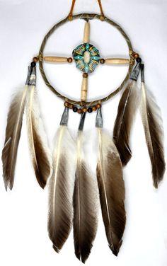 Navajo Indian handmade medicine wheels and Beaded or Painted Arrows. Native American Medicine Wheel, Native American Artifacts, Native American Indians, Dream Catcher Mandala, Dream Catcher Craft, American Indian Decor, Wild West Party, Dream Catcher Native American, Bubble Art