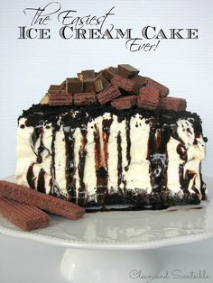 The easiest ice cream cake ever! Done in less than 10 minutes!!