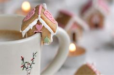 Mini Gingerbread Houses! Great for a Christmas time tea. Also includes 20 or so other Christmas snacks and treats.