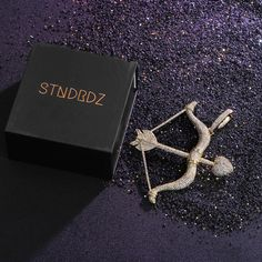 #stndrdz-advertisement Bow & Arrow Pendant