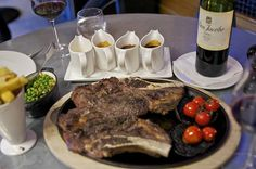 "Restaurant review of Gillrays Steakhouse: ""3KG of steak and a side!"""
