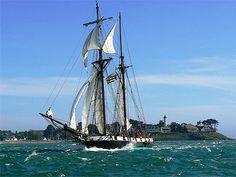 """""""La Recouvrance"""" dans le grand courant de flot devant Port-Navalo. Golfe du Morbihan. Brittany"""