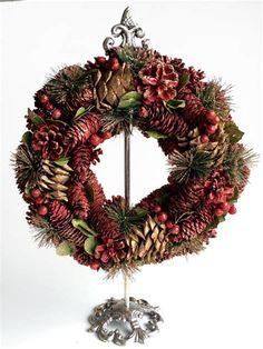 Εικόνες Pine Cone Christmas Tree, Christmas Tree Ornaments, Christmas Wreaths, Pine Cones, Holiday Decor, Diy, Bricolage, Handyman Projects, Do It Yourself