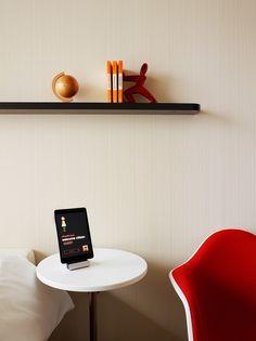 Entrepreneur Designs Upscale Hotels For Budget Travelers - Citizenm london bankside by concrete architectural associates