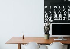 Minimalist vibes cuz less is more Home Office Setup Ideas Furniture Home Office, Office Decor, Office Setup, Office Workspace, Office Ideas, Office Organisation, Office Spaces, Desk Organization, Bureau Design