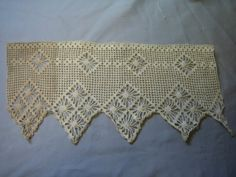 E467 antique Victorian Wide Lace Trim Remnant by mmmoonchild