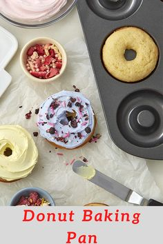 Make a half or full dozen of donuts for breakfast with this donut baking pan set Made of steel; non stick coating for easy release and quick cleanup. Great Desserts, Healthy Dessert Recipes, Easy Dinner Recipes, Delicious Desserts, Breakfast Recipes, Yummy Food, Yummy Recipes, Pastry Recipes, Cooking Recipes