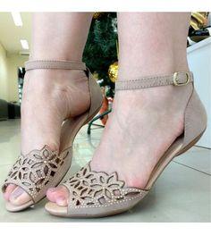c9cb73e6dd Rasteiras. Viviane Barreto · sapatos e sandálias