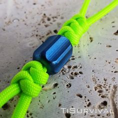 Paracord Lanyards Lanyard Crafts, Snake Knot, Edc Everyday Carry, Paracord, Neon Green, Beads, Lanyards, Zipper Pulls, Keychains