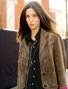 polka dots and tan suede fringe jacket Grunge Look, Fringe Jacket, Trends, Outerwear Jackets, Mantel, Editorial Fashion, Personal Style, Vintage Fashion, Street Style