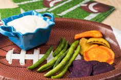 Don't derail your diet on game day! Check out these healthy tips and recipes for Sunday's big game.