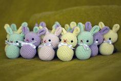 amigurumi bunnies by perlinavichinga, via Flickr