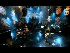 """""""Acústico MTV é o segundo álbum ao vivo do cantor e compositor brasileiro Lenine, lançado em CD e DVD em 2006 e produzido para a série homônima da MTV Brasil."""""""