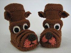 """Strickanleitung Babystiefelchen """"Strolchi"""" in 4 Größen Knit Baby Shoes, Crochet Baby Boots, Knit Baby Dress, Knit Baby Booties, Crochet Socks, Baby Girl Shoes, Baby Socks, Knitting Socks, Knitting For Kids"""