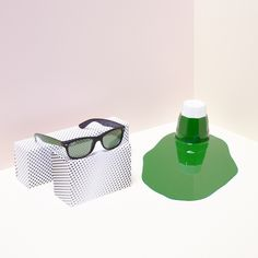 Green with envy? Get acquainted with the new Color #Wayfarer @ http://neverhi.de/v6nz