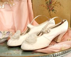 Antique Century Victorian White Leather Bridal Wedding Shoes, (unbelievably beautiful, and wonderful that they have survived) presented by The French Garden House. Bridal Wedding Shoes, Wedding Cake, Old Shoes, Chiffon Flowers, Vintage Shoes, Victorian Fashion, White Leather, 19th Century, Fashion Shoes