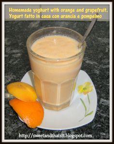 Orange/Grapefruit Smoothie with homemade yoghurt.  Frullato con yogurt fatto in casa, arancia e pompelmo.