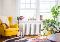 This 900-square-foot apartmentimmediatelyspoke to renters Amber and A.J. Moore. At its core, the home is simple – nothing too flashy or eye-catching– but when they first stepped foot inside, it just felt like the right fit. That feeling may have been destiny intervening, pushingthe coupletowardsthe space. Shortly after moving in,the pair described the apartment toA.J.'s father, and he gave a chuckle. As it turns out, heused to rent a unit in the same building in the 1970s!It's been…
