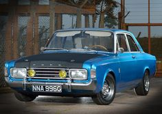 Ford Cortina I remember my father one of these in the – En Güncel Araba Resimleri Custom Classic Cars, Ford Classic Cars, Cars Uk, Old Fords, Ford Falcon, Jeep Cars, Ford Escort, Car Ford, Ford Motor Company