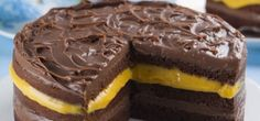 Perfect for,Easter, birthdays, these are a great recipe for an easy and delicious, foolproof chocolate cakes. Köstliche Desserts, Delicious Desserts, Yummy Food, Sweet Recipes, Cake Recipes, Dessert Recipes, Yummy Cupcakes, Food Humor, Love Cake