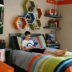 Nice ideas to decorate a small kid's room Older Boys Bedrooms, Boys Bedroom Ideas 8 Year Old, Teen Boy Rooms, Boys Bedroom Decor, Bedroom Themes, Teen Boys, Boy Bedrooms, Old Room, Color Schemes