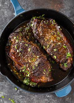 Sheet Pan Roasted Garlic & Herb Chicken and Veggies | Gimme Delicious Sin Gluten, Gluten Free, Steak Recipes, Keto Recipes, Fall Recipes, Ways To Cook Steak, Kinds Of Steak, Leftover Steak, Pan Seared Steak