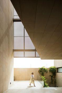 Three Gardens House in Kuwait by AGi architects   http://www.yellowtrace.com.au/agi-architects-three-gardens-house-kuwait/