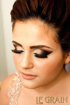 Maquiagem demonstrada em curso do LE GRAIN