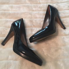 Carlos Santana Presume Heel in Black Paten Leather The ultimate classic black Paten leather pump. A must have in every woman's wardrobe. Only worn a few times.   Reasonable offers are always considered Smoke and pet free home No PayPalNo Trades Carlos Santana Shoes Heels