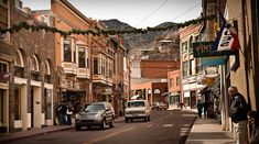 Bisbee Arizona is a great little artist community about 30 minutes south east of Tombstone, 90 minutes from Tucson, famous for its copper mining and town built into the side of the Mule Mountains.