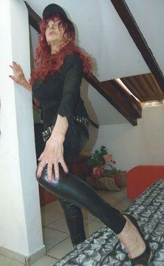 cerco uomo maturo - Veronica persona molto riservata e fine, cerco uomo over 60 di alto livello sociale per amicizia e possibile convivenza.  - http://www.ilcirotano.it/annunci/ads/cerco-uomo-maturo-2/