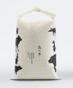 Akaoni 森の家 米袋 Client. Morinoie Rice Package 2010 Yamagata Art Direction & Design : 小板橋基希 Motoki Koitabashi Illustration : 日野洋子 Yoko Hino