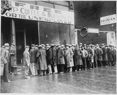 Unemployed men queued outside a depression soup kitchen opened in Chicago by Al Capone (National Archives and Records Administration)