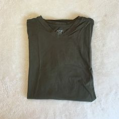 Mens comfortable T - shirt! •Mens navy green t-shirt!                                       •Inquiry and offers appreciated! Apt. 9 Tops Tees - Short Sleeve