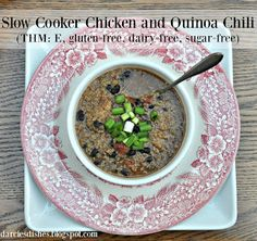 Darcie's Dishes: Slow Cooker Chicken and Quinoa Chili  //A hearty and delicious meal that won't break the bank or expand your waistline.
