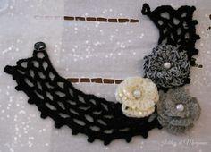 collana o colletto in lana nero con fiori e perline argentate