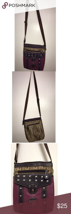 GUESS CROSSBODY PURSE It has very winter-like colors and matches with almost anything. Very comfortable. Has a lot of space. Never used. Guess Bags Crossbody Bags