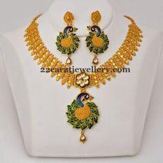 Jewellery Designs: Fancy Gold Set Peacock Earrings
