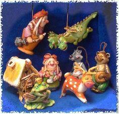 Новый год, елочные игрушки  сделаны из папье-маше, расписаны акрилом и покрыты лаком