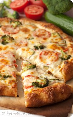 Vegetarian Ranch Pizza -- mmmm