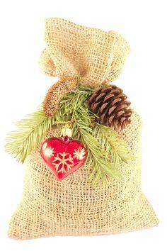 How to Make DIY Burlap Christmas Ornaments