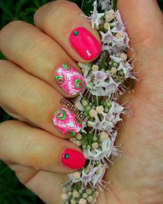 Pink peacock feathers .  #moyoulondon #lookmoyoulondon #nails #nail #nailsofinstagram #nailswag #manicure #instanails #nails #blogger #fashion #pinknails #peacock #peacockfeathers #summer #summernails #fashion2017 #ногти #маникюр #мода #лето