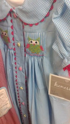 Love the multi-colored gingham buttons!