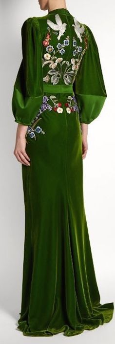 r McQueen's Green Velvet Embroidered Fantasy Gown (Back View) You can see the Front View and the rest of the Outfit and my Remarks on this board. Beautiful Gowns, Beautiful Outfits, Fantasy Gowns, High Fashion, Womens Fashion, 90s Fashion, Grunge Fashion, Fashion History, Modest Fashion