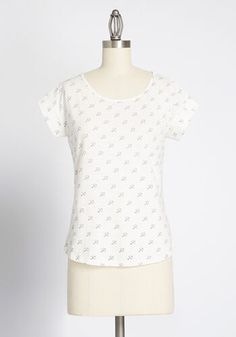 Give any outfit a stamp of your charm by adding this white tee—exclusive to ModCloth! With a classic crew neckline, short sleeves, and a quirky umbrella motif, this breathable cotton top is a perfect match to your playful personality. Plus Size Fashion Dresses, Plus Size Outfits, Occasion Maxi Dresses, White Umbrella, New Arrival Dress, New Wardrobe, White Tees, Modcloth, Cotton Tee